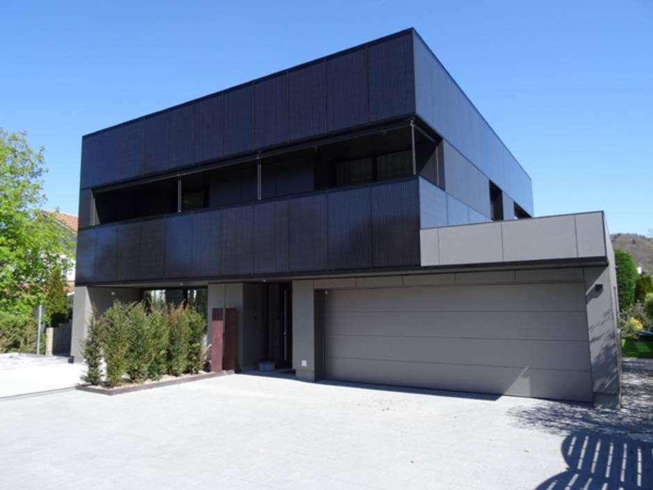 wie sich eine photovoltaik fassade auch im eigenheim rechnet haustec. Black Bedroom Furniture Sets. Home Design Ideas