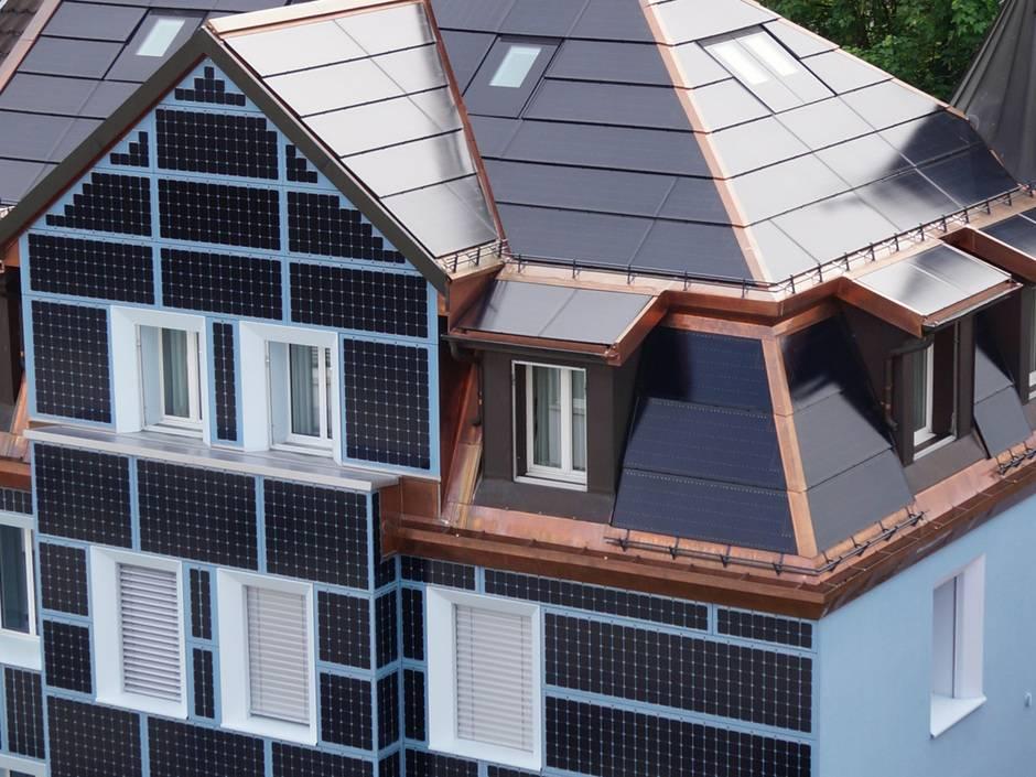 parallelgeschaltete solarstrings neue anbindung von photovoltaikfassaden haustec. Black Bedroom Furniture Sets. Home Design Ideas