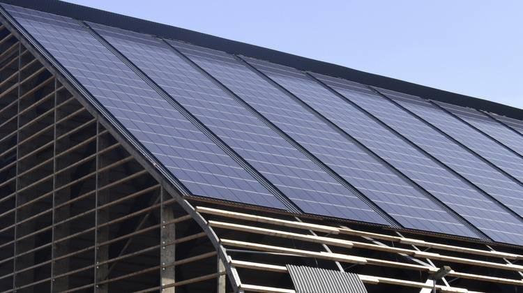 Beliebt 8 neue PV-Montagesysteme für Metalldächer - Haustec QJ08