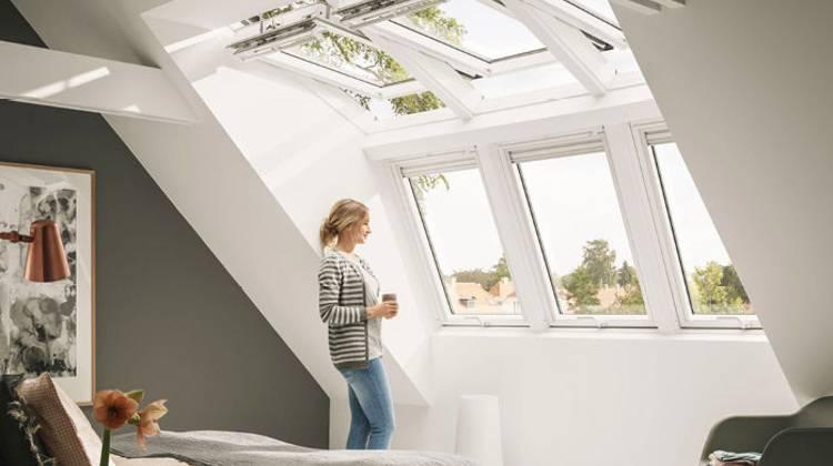 velux panoramafenster f r das dachgeschoss haustec. Black Bedroom Furniture Sets. Home Design Ideas